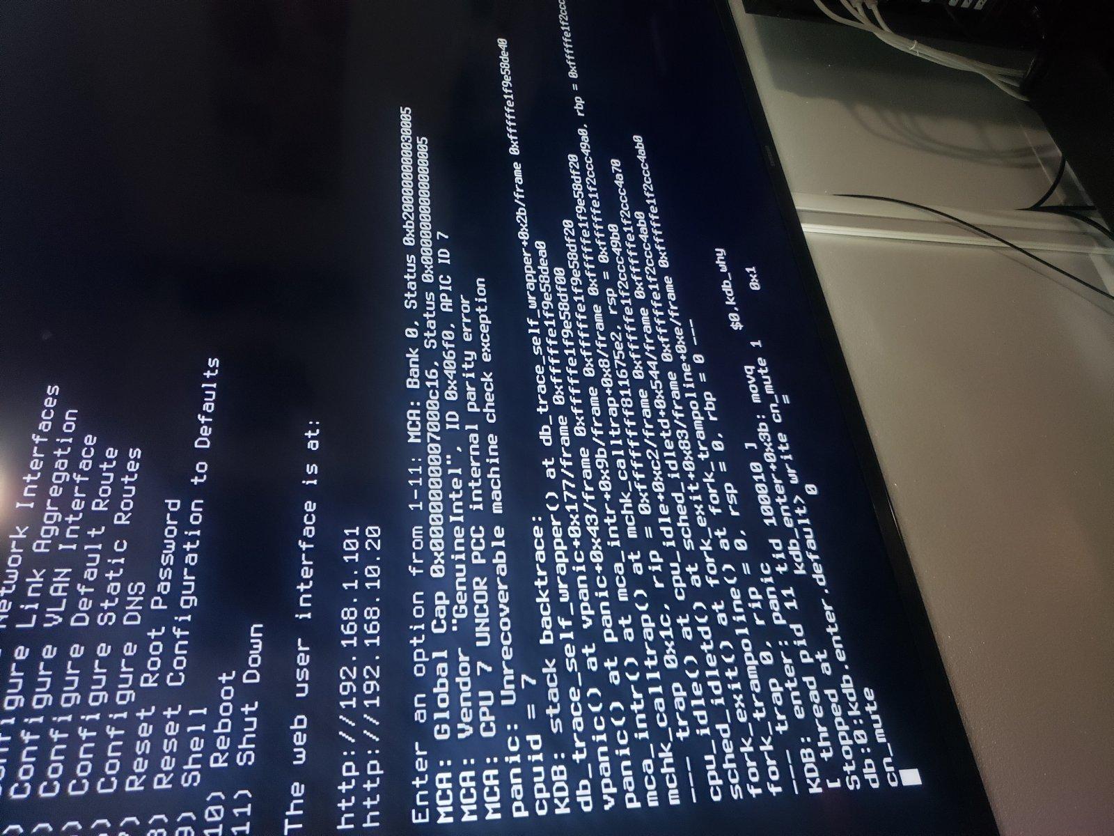 Freenas keep rebooting its self Please help!!!! | iXsystems